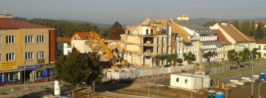 Hotel Bílý lev Žďár nad Sázavou, demolice