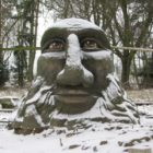Socha Mamlase v zimě