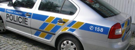 Policie, auto