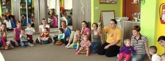 Děti s rodiči - Rodinné centrum Srdíčko Žďár nad Sázavou