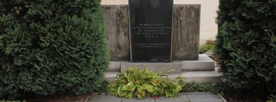 Hrob ruských vojáků bude přemístěn na nový hřbitov