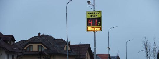 Radar - měření rychlosti - Libická ulice Žďár nad Sázavou