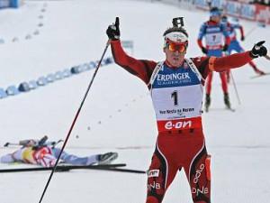 5134071-nove-mesto-biatlon-biathlon-stihaci-zavod-muzi-mistrovstvi-svendsen-fourcade_denik-380