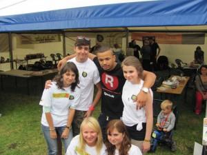 Ben Cristovao s dobrovolníky ze Spektra