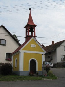 Kaplička v Jiříkovicích