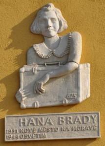hana-brady-21